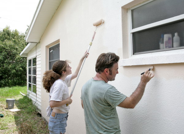 bigstock-Family-Painting-Project-695373
